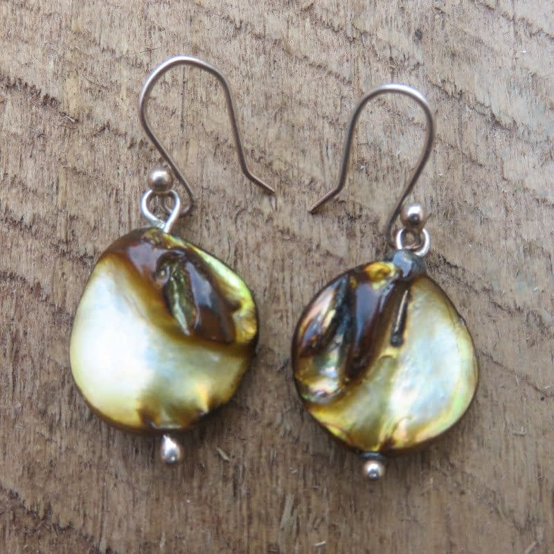 Mother of Pearl with 9ct Gold Earrings